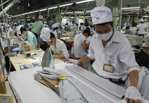 """Kết quả hình ảnh cho Vì sao xuất khẩu dệt may Việt Nam """"tụt dốc""""?"""