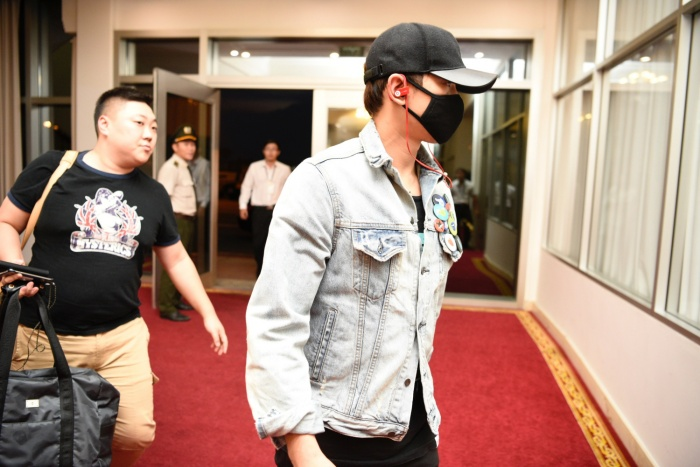 Muc cat se bat ngo cua Bi Rain tai Chung ket HHVN 2016 - Anh 2