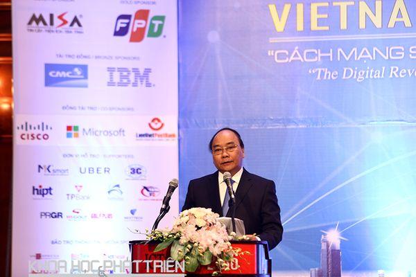Thủ tướng Nguyễn Xuân Phúc: Quyết tâm nắm bắt thời cơ của cách mạng công nghiệp lần thứ 4