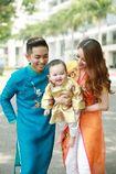 Gia đình Phan Hiển - Khánh Thi rạng rỡ chụp ảnh đón Tết