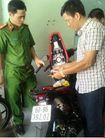 Xác định được đối tượng bắn trả công an, cướp xe giữa chợ tại Đồng Nai
