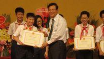 Khen thưởng các tập thể, cá nhân điển hình tiên tiến và học sinh giỏi tiêu biểu Thủ đô