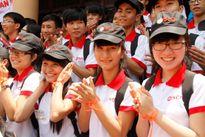 """350 học sinh cùng tọa đàm """"Tự tin vào đời"""""""