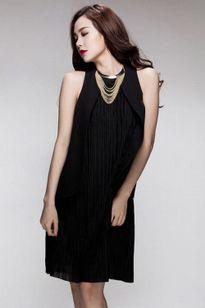 Diện váy đen đẹp như sao Việt