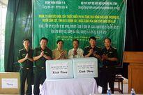 Khám bệnh, cấp thuốc cho gần 500 lượt người tại bản Thoong Pẹ, Cộng hòa DCND Lào