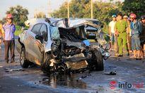 Hai CSGT tử vong, xe ô tô vỡ nát trong tai nạn nghiêm trọng