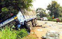 Hai CSGT tử nạn trong ôtô bẹp dúm