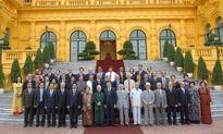Cán bộ ngoại giao phải tinh thông nghiệp vụ, vững về chính trị