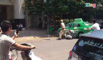 30 phút cảnh sát truy đuổi taxi 'điên' trên phố