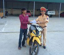 CSGT trả lại xe máy cho người bị trộm cách đây 3 tháng