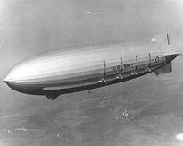 Mảnh vỡ tàu sân bay trên không của Mỹ