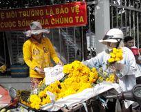 Bán hàng chay, hoa rằm tháng 7 lãi... nửa triệu một ngày