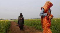 Hai chị em ở Ấn Độ bị cưỡng bức và bắt trần truồng đi quanh làng