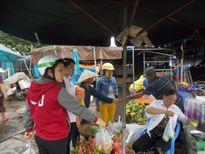 """MỨC LƯƠNG TỐI THIỂU VÀ ĐỜI SỐNG CÔNG NHÂN: Người lao động đang """"đong gạo từng bữa, mắm tính từng hào"""""""