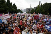 Biểu tình lớn chống dự luật an ninh mới bùng phát tại Nhật