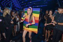 MTV VMA 2015 gây ồn ào vì chuyện bên lề