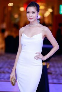 Váy dây đan - mốt thời trang cực sexy của mỹ nhân Việt