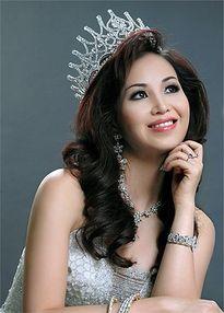 Chân dung hoa hậu biết nhiều ngoại ngữ nhất showbiz Việt