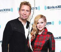 Avril Lavigne chia tay chồng thứ hai