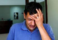 Cha bé trai Syria tử nạn đau đớn chuẩn bị chôn xác con