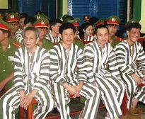 """Hành trình trở thành """"ông trùm"""" của Năm Cam - Kỳ 34: Năm Cam nhận án tử hình, đại gia đình """"ông trùm"""" run rẩy"""