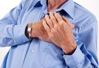 Thực hư châm kim đầu ngón tay, nặn máu để cấp cứu đột quỵ