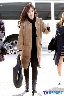 T-ara thi nhau khoe chân dài thẳng tắp tại sân bay