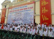 Nam Định trao 850 học bổng bằng xe đạp cho học sinh nghèo học giỏi