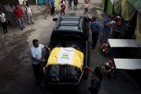 Cả nhà ôm nhau cùng chết trong lở đất ở Guatemala