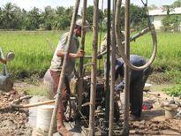 Mực nước ngầm ở nhiều nơi tại Đồng Nai sụt giảm, ô nhiễm nặng