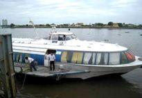 'Xe buýt' đường thủy gặp khó