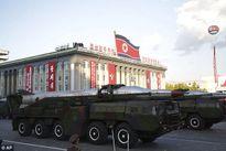 """Soi loạt vũ khí """"khủng"""" trong lễ diễu binh lịch sử của Triều Tiên"""