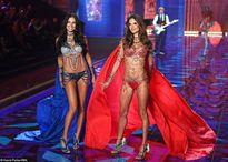 Ngắm dàn chân dài với áo ngực 2 triệu đô của Victoria's Secret