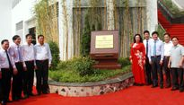 Gắn biển Công trình chào mừng Đại hội Đảng bộ TP Hà Nội lần thứ XVI