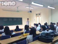 Teen nữ trường Nguyễn Huệ rào rào đăng ký vào CLB Guitar