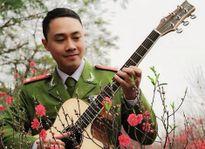 Lớp học guitar cho trẻ em khiếm thị của một Thượng úy trẻ
