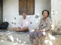 """Nỗi lo """"chạy sóng"""" ở làng ven biển Trung Lương"""