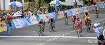 Giải xe đạp Nam Kỳ Khởi Nghĩa 2015 (chặng 3): Áo xanh đổi chủ sau nước rút mãnh liệt