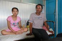 Cha nghèo nuôi con bệnh tật