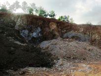 Đào đất làm đường, phát hiện quả bom nặng 2 tạ