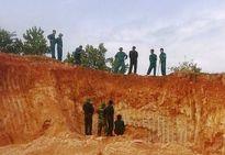Đào đất làm đường, phát hiện bom nặng hơn 2 tạ