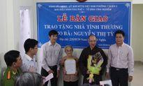 TP.Hồ Chí Minh: Trao nhà tình thương cho hộ đặc biệt khó khăn