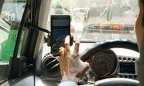 Nếu không quản chặt Uber và Grab, taxi truyền thống lo phá sản