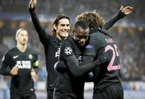 Ibrahimovic đưa PSG vào vòng hai, Ronaldo đau tim với Real