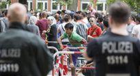 """Đức tiết lộ con số """"giật mình"""" về người tị nạn đăng ký năm 2015"""