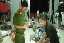 Thừa Thiên Huế: Bắt giữ xe khách chở hàng lậu
