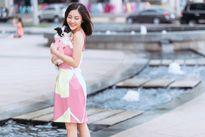 Văn Mai Hương gợi cảm trên phố