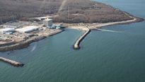 Nhà máy điện hạt nhân đóng cửa, người dân lại nổi giận