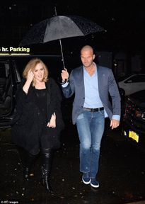 Vệ sĩ mới của Adele gây sốt vì quá đẹp trai, nam tính