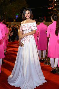 Mỹ nhân Việt khỏe nhan sắc trên thảm đỏ liên hoan phim